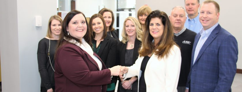 LGE Community Credit Union Gifts $2,000 to Student Leadership Academy