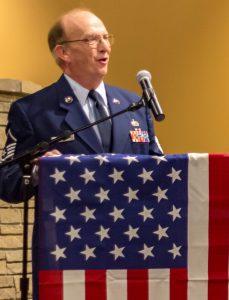 Barry Munday speaks to veterans.
